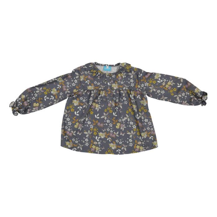 Camisa cinzeta com flores